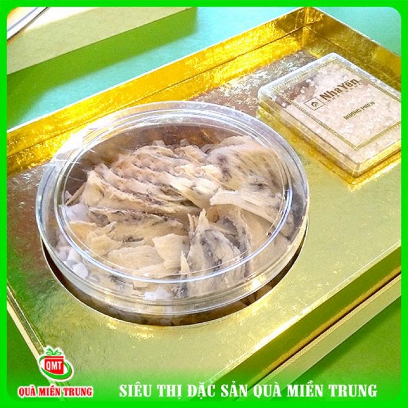 Sản phẩm yến sào tại cửa hàng đặc sản Quà Miền Trung