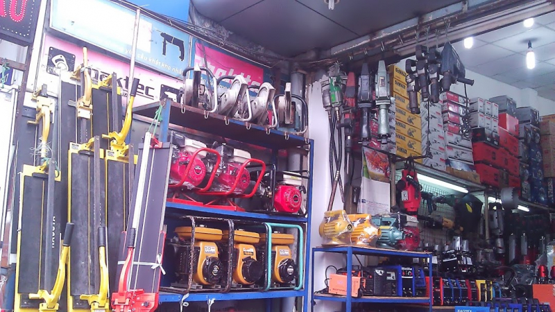 Dien Sau mechanical tool shop