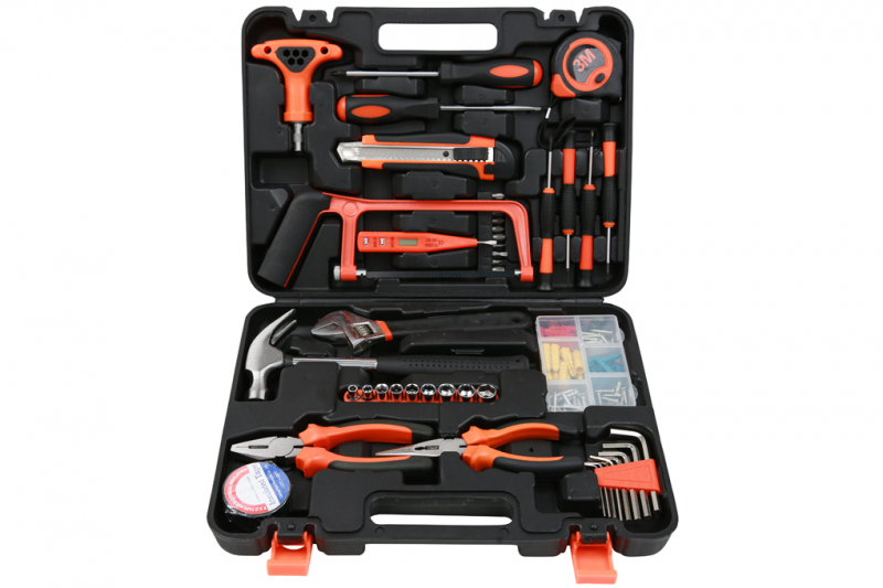 Hand-held mechanical tool kit at Dien Sau Mechanical Tool Shop