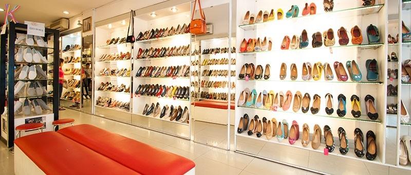 cửa hàng giày dép