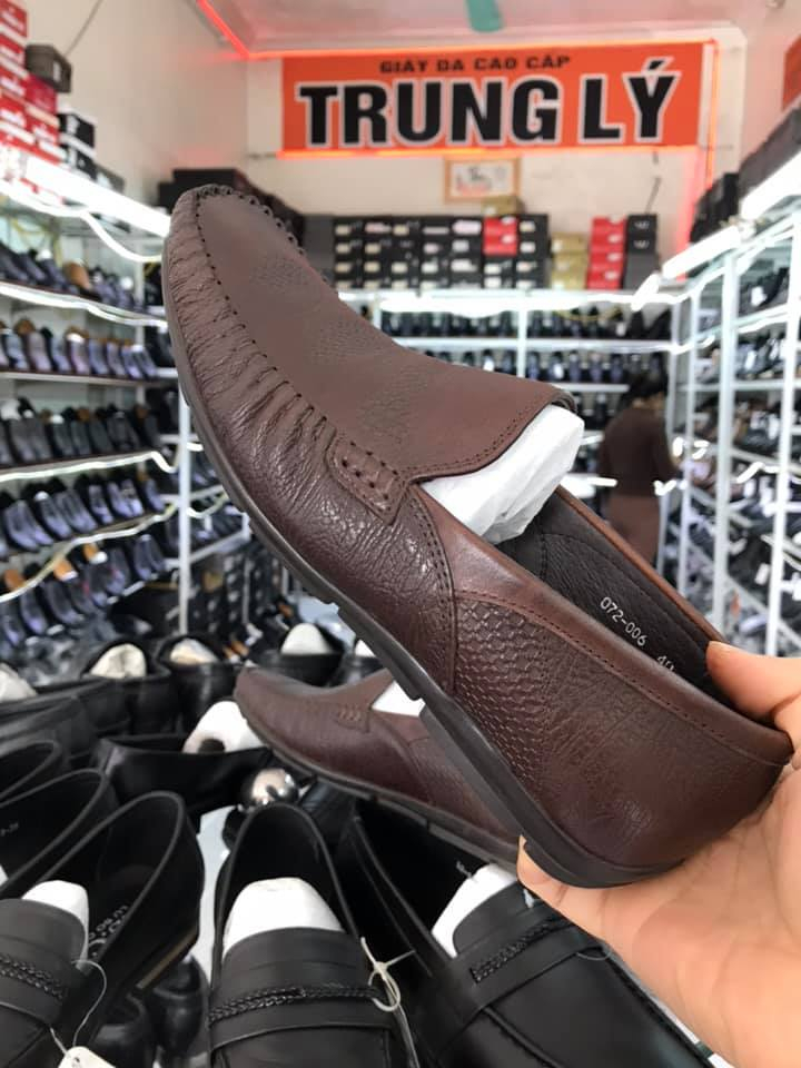 Cửa hàng giày dép Trung Lý
