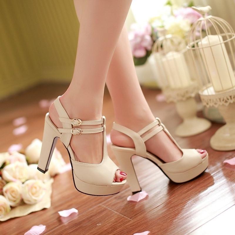 Top 7 cửa hàng giày dép nữ giá rẻ nhất ở TP. HCM