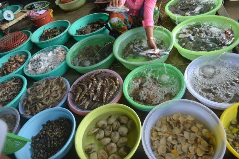 Hải sản Qúy Thuận là một sự lựa chọn tuyệt vời nữa cho du khách khi tới Quảng Ninh