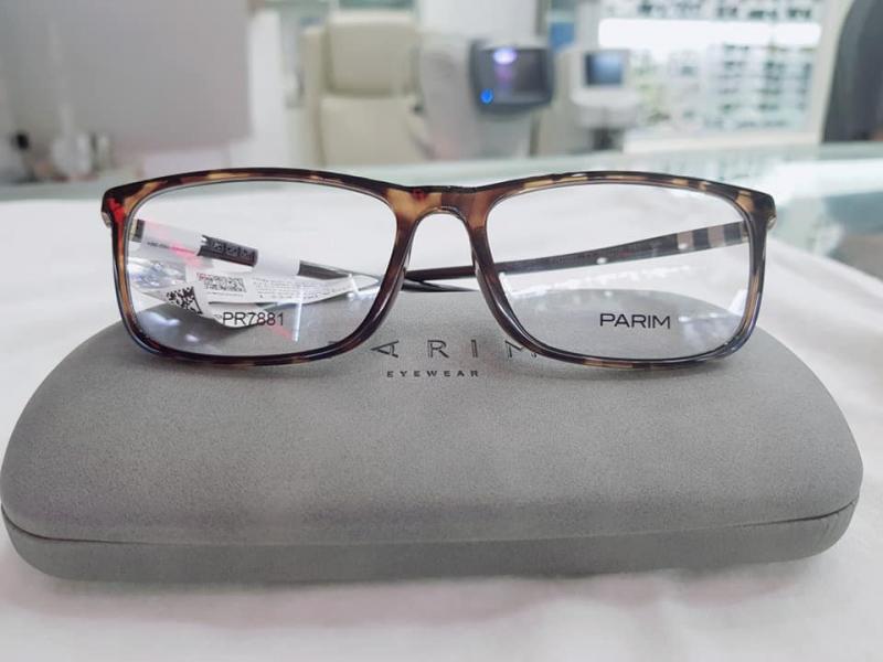 Cửa hàng mắt kính Phương Nam