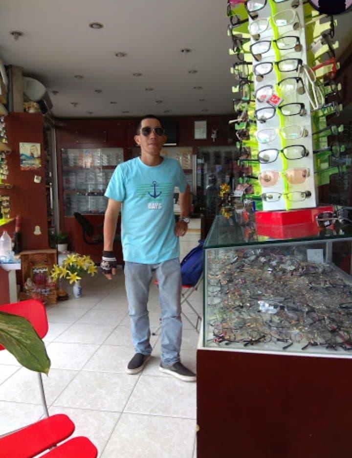 Cửa Hàng Mắt Kính Việt Mỹ