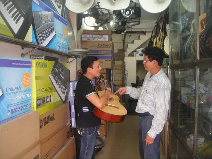 Cửa Hàng Phạm Tuyên