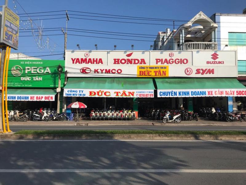 Cửa Hàng Xe Máy Đức Tân