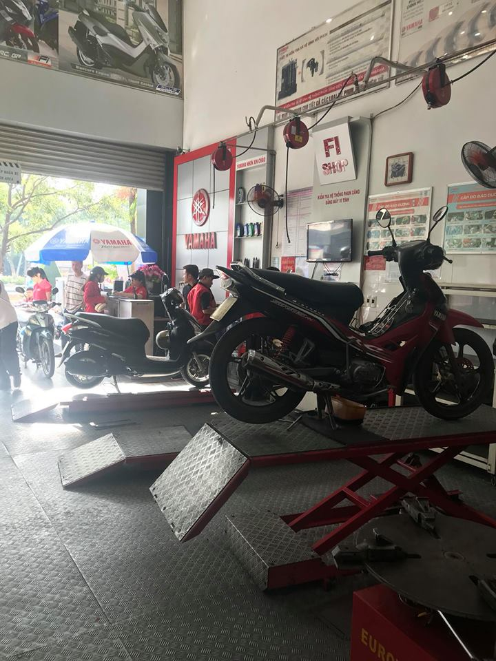 Trưng bày xe trong Yamaha Nhơn