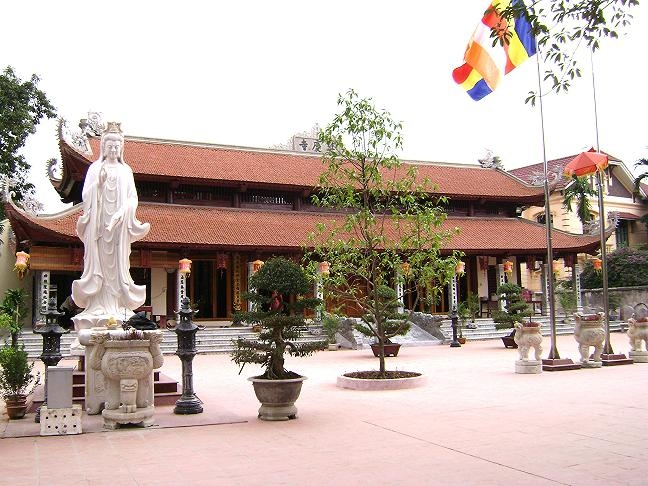 Chính điện Chùa Diên Khánh
