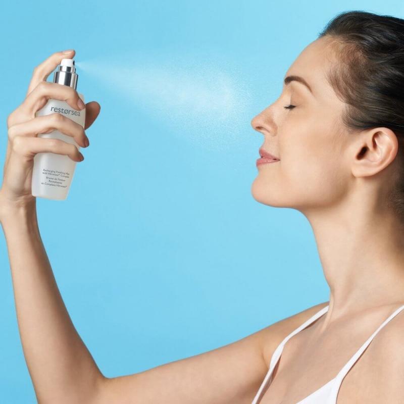 Cung cấp nước và giữ ẩm da mặt