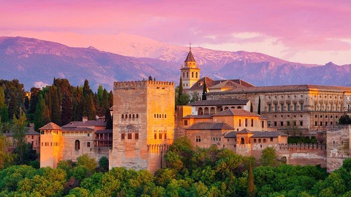 Cung điện Alhambra y Generalife - Tây Ban Nha
