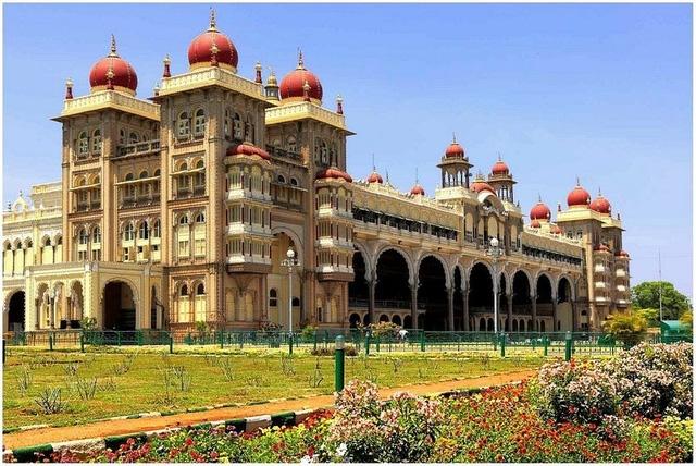 Cung điện Mysore ở miền Nam Ấn Độ.