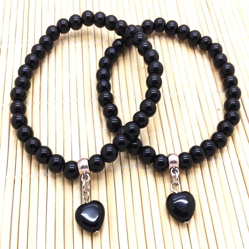 Vòng đá phong thủy Onyx màu đen phù hợp nhất với Ma Kết