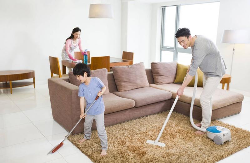 Cùng nhau dọn dẹp nhà cửa cũng là một cách để thư giãn - Nguồn: Internet