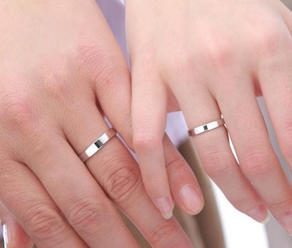 Cùng nhau đeo nhẫn đôi
