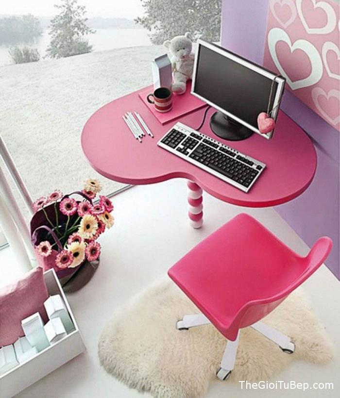 Phòng làm việc của Song Ngư nên có hoa tươi màu hồng