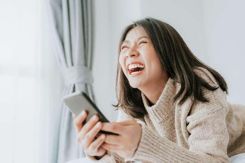 Cười thường xuyên giúp giảm cân