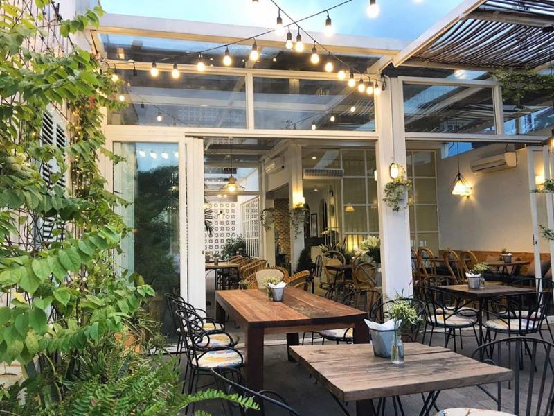Cup of tea cafe & Bistro từ lâu đã trở thành địa điểm yêu thích của những người thích sự yên tĩnh