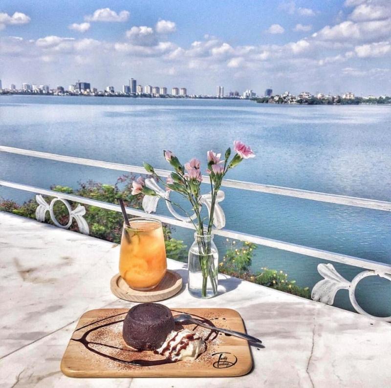 View siêu đẹp trên tầng 3 của Cup of tea coffee & bistro