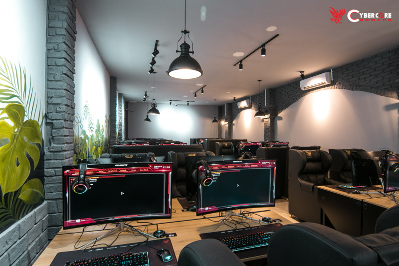 CyberCore Gaming FENIX