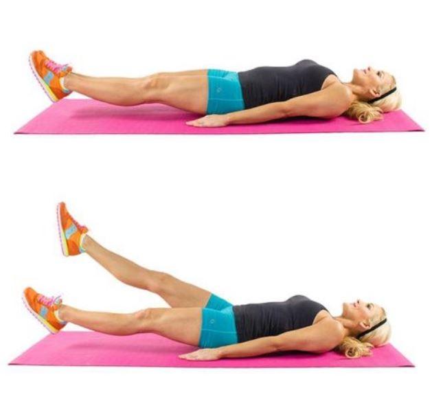 Đá chân cắt kéo giúp giảm mỡ bụng