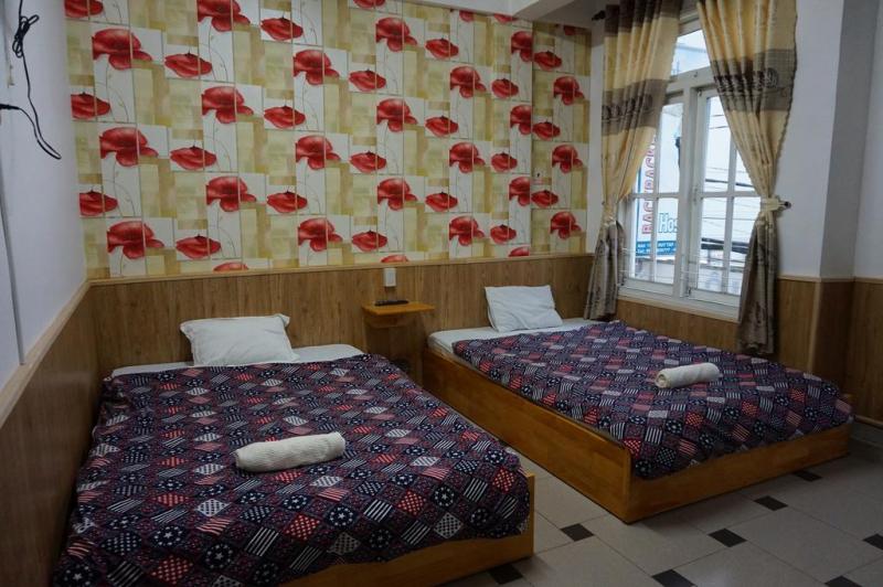 Da Lat Backpackers Hostel cung cấp chỗ nghỉ giản dị, thoải mái với wifi và phục vụ bữa sáng miễn phí.