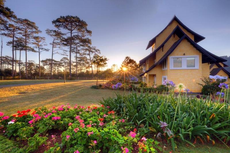 Khách sạn Đà Lạt lung linh trong nắng ấm