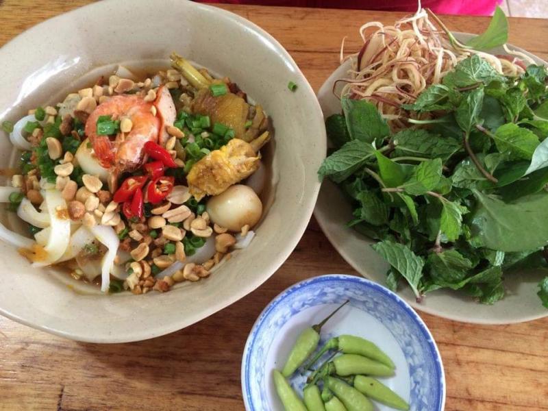 Quang Ngai Specialties - Ram Corn & Noodles