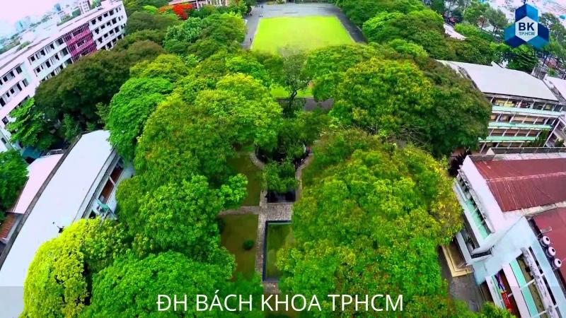 Cổng trường Đại học Bách Khoa Thành phố Hồ Chí Minh
