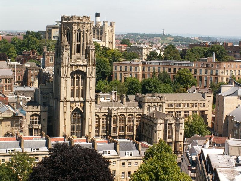 Đây là ngôi trường đại học đầu tiên ở nước Anh thừa nhận việc bình đẳng giới giữa nam và nữ