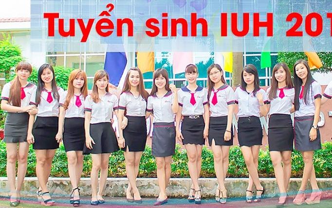 Tự tin diện bộ đồng phục xinh đẹp của trường