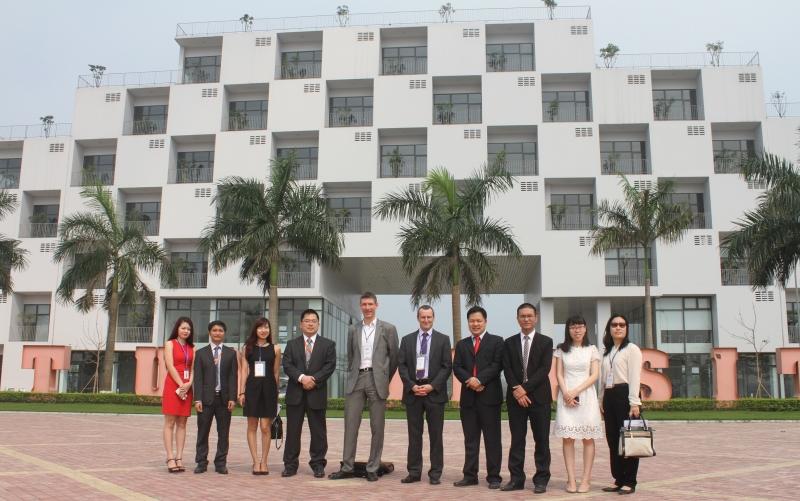 Đại sứ Anh thăm đại học FPT