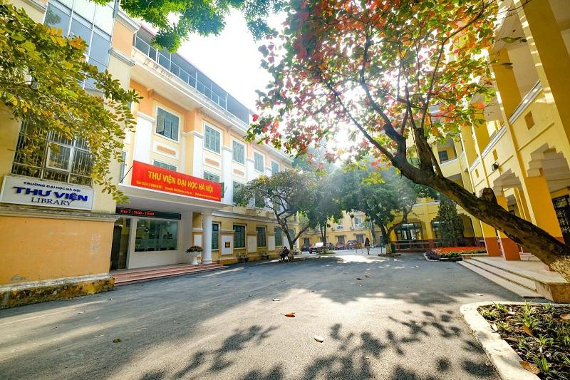 Một góc đẹp như mơ của trường Đại học Hà Nội