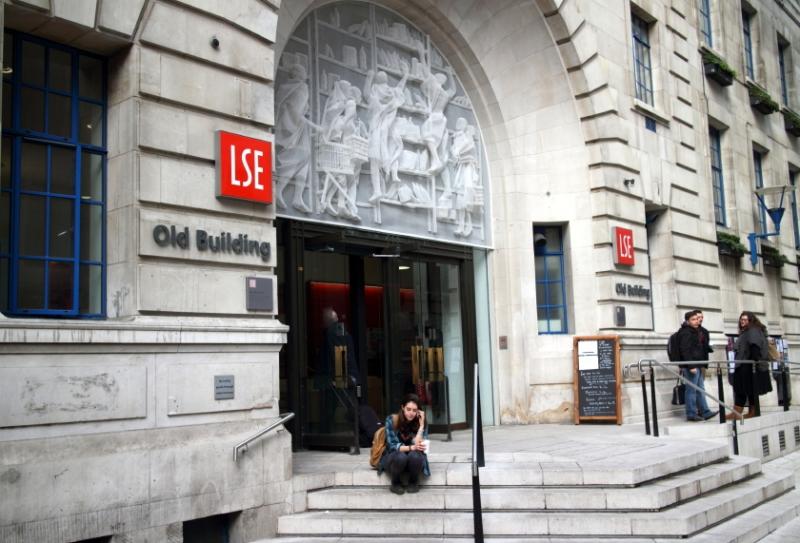 Đại học kinh tế, chính trị Luân Đôn.