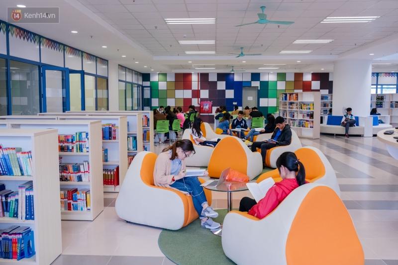 Không gian học tập trong thư viện Phạm Văn Đồng