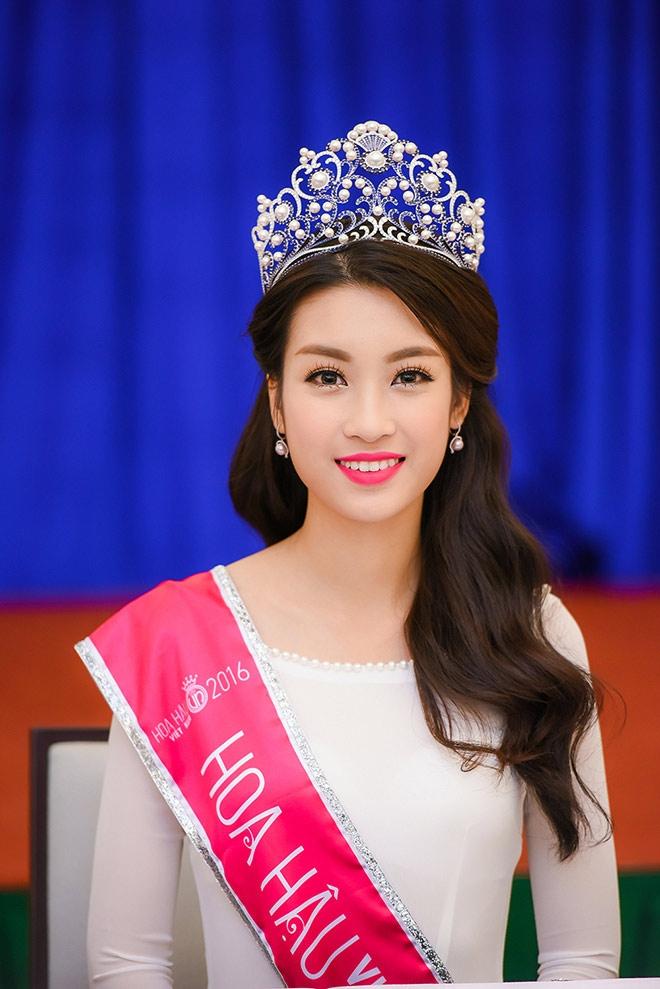 Hoa hậu Việt Nam 2016 Đỗ Mỹ Linh là sinh viên Đại học Ngoại thương
