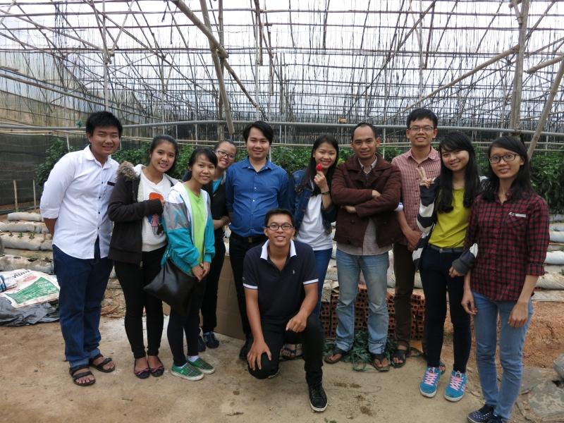 Sinh viên bộ môn Công nghệ sinh học đi tham quan thực tế tại Lâm Đồng