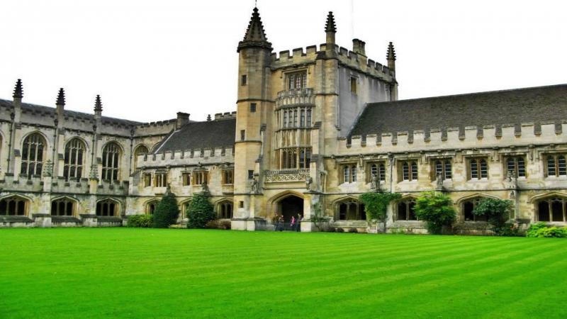 Tòa nhà mang phong cách cổ điển của trường Đại học Oxford