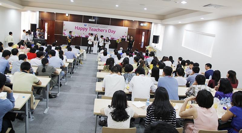 Mừng ngày nhà giáo Việt Nam cùng sinh viên trường