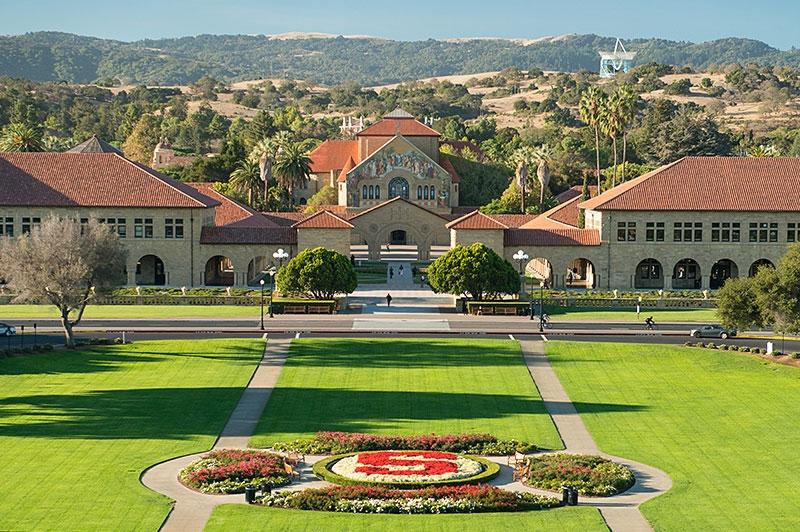 Đại học Stanford nổi tiếng với những chương trình học hàng đầu, chất lượng đào tạo tốt nhất và được nhiều du học sinh theo học