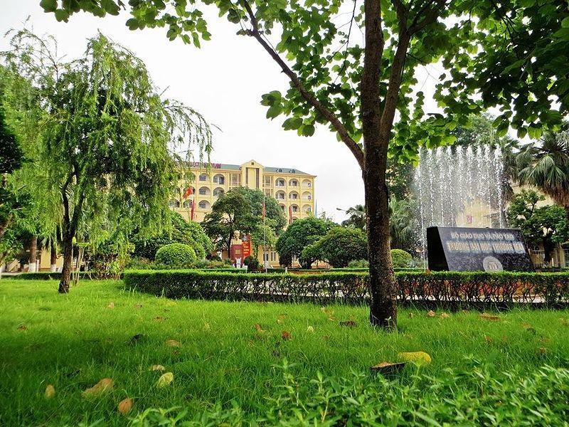 Đại học Thương mại là một trong những trường đại học có khuôn viên đẹp