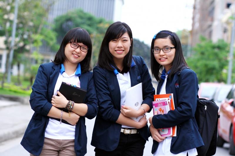Sinh viên trường đại học Việt Pháp
