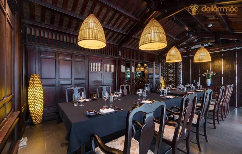 Nhà hang Đại Lâm Mộc mang phong sắc đồng bằng Bắc Bộ, mang đếm cảm giác mới mẻ, thân quen cho bữa tiệc