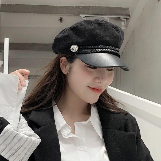 Đường may chắc chắn, vải dày dặn không chỉ khiến cho trang phục của bạn hoàn thiện mà còn có tác dụng giữ ấm phần đầu
