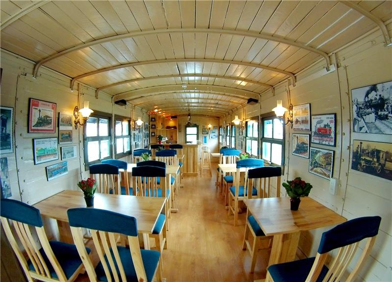Dalat Train and Villa