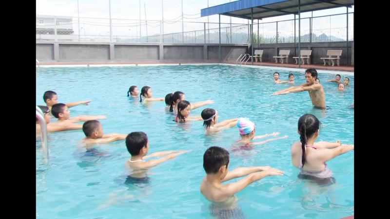 Đảm bảo vệ sinh cho trẻ trước, trong và sau khi bơi