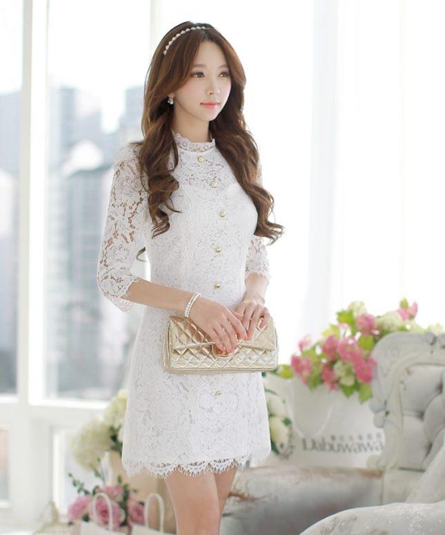 Đầm ren luôn mang đến cho người mặc sự mềm mại mà lại nhẹ nhàng.