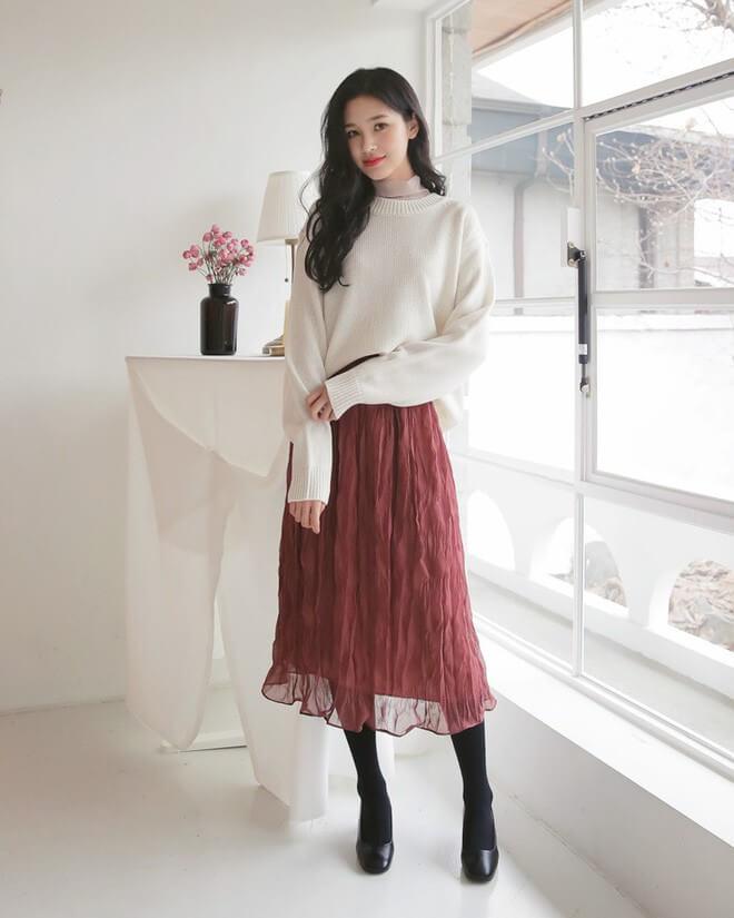 Đầm voan + áo len chui đầu