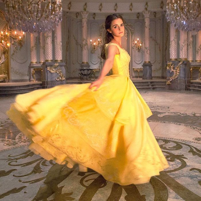 Emma Waston xinh lung linh trong Beauty and The Beast