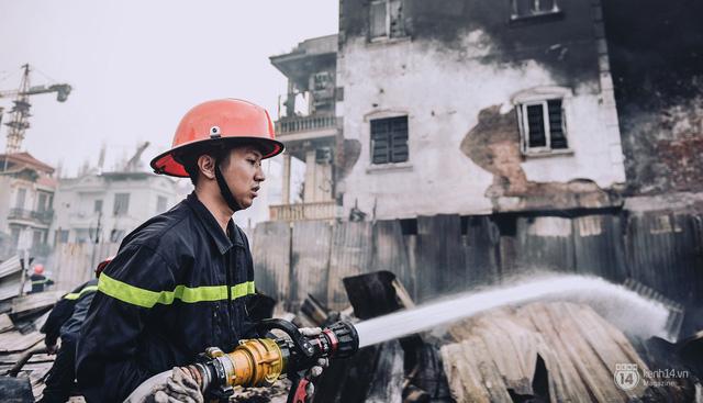 Lập dàn ý cho bài văn tả chú lính cứu hỏa mà em đã gặp.